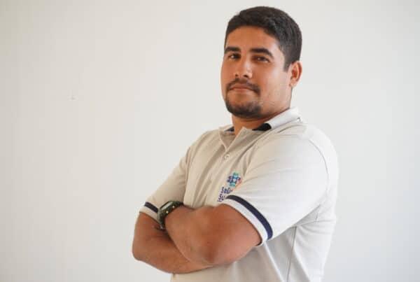 Pedro Felipe, de motoboy a assistente administrativo